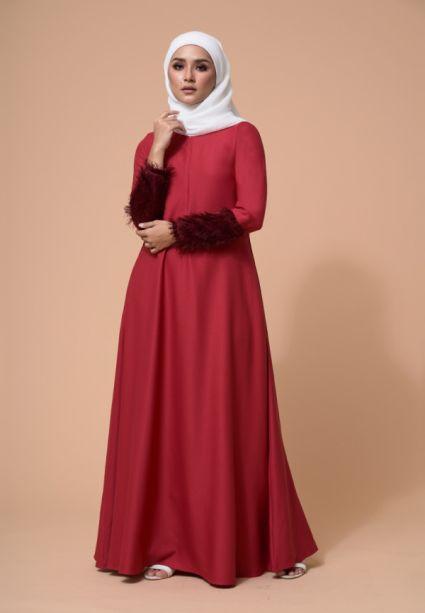 Amna Dress True Red